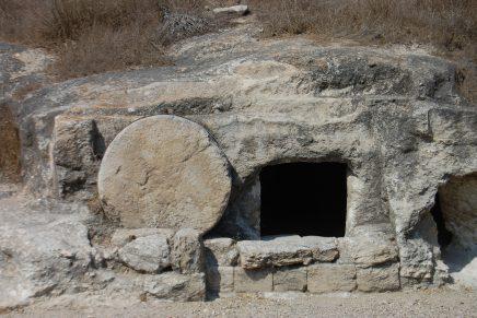 O Berço, num Túmulo