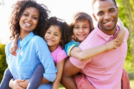 Para a casa não cair: família firmada em Jesus