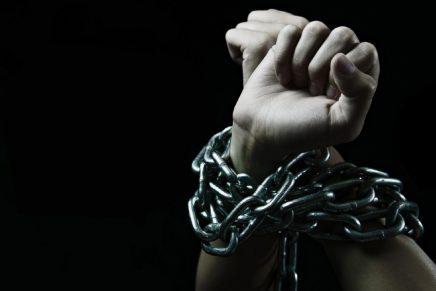 Vícios, Ídolos e Escravidão;Uma estreita relação?
